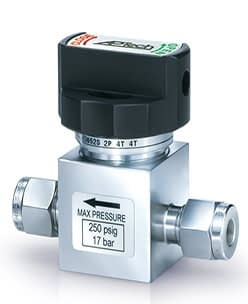 Manual operated diaphragm valve with 1/4